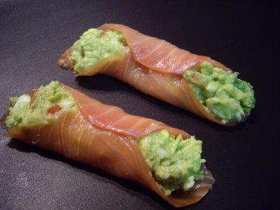Rollitos de salmon ahumado y aguacates compartiendo - Ensalada de aguacate y salmon ahumado ...